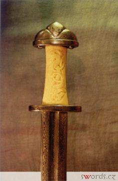 http://www.swords.cz/pictures/swords/viking01.jpg