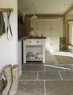 Flagstone Tile Floor- great in kitchen and/or mudroom & entry Flagstone Flooring, Limestone Flooring, Natural Stone Flooring, Slate Flooring, Kitchen Flooring, Flooring Ideas, Slate Floor Kitchen, Kitchen Tiles, Garage Flooring