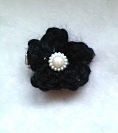 Black crochet flower barrette, alligator clip, barrette, hair, gifts for her, under 5, bling, stocking stuffer. by unionmeg on Etsy