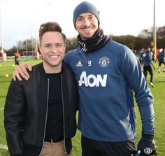 Olly Murs dropped in on Manchester United's training session to provide Jose Mourinho's under-fire side some extra support ahead this weekend's must-win game against Arsenal. Olly Murs, Manchester United Training, Football Pictures, Soccer Fans, Big Game, Adidas Jacket, Graphic Sweatshirt, The Unit, Celebs