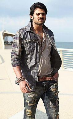 Travis Fimmel, Bollywood Actress Hot Photos, Bollywood Actors, Actress Photos, Darling Movie, Prabhas And Anushka, Indian Male Model, Prabhas Actor, Allu Arjun Images