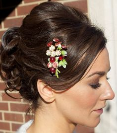 Looking at ideas for hair style and accessories. Kinda like this. Even if it's probably not the colors we're going to go with, I like the style.