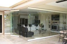 Glaswand und Falttür in Eins
