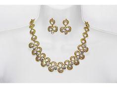 Conjunto Elegante Oro y Piedra con Aretes