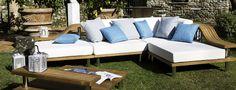 """Oceano è un divano che nasce """"dalle onde"""". Grazie al suo sistema di sedute componibili realizzate in teak, metallo e tessuto, garantisce un ambiente confortevole e rilassante. Showroom, Teak, Outdoor, Design, Environment, Outdoors, Outdoor Games, The Great Outdoors"""