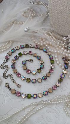 Swarovski Crystal Necklace, Swarovski Jewelry, Crystal Jewelry, Swarovski Crystals, Trendy Jewelry, Jewelry Ideas, Fashion Jewelry, Jewelry Design, Unique Jewelry