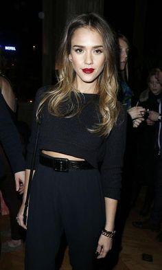 Jessica Alba es la modelo de las famosas en el street style de París
