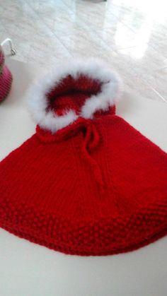 Kids Poncho, Wool Poncho, Crochet Scarves, Knit Crochet, Crochet For Kids, Baby Knitting, Mtv, Needlework, Knitted Hats