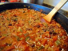 Chili con carne (chili with meat), more commonly known simply as chili, is a spicy stew containing chili peppers, meat (usually beef), toma. Healthy Soup Recipes, Chili Recipes, Mexican Food Recipes, Crockpot Recipes, Cooking Recipes, Drink Recipes, Chilli Seasoning Mix, Stuffed Peppers Ground Beef, My Favorite Food