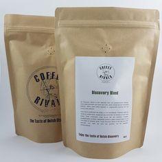 Nieuwe verpakking voor de verschillende gebrande #coffeerivals #koffie! Weg stempel, hallo #sticker! #nieuw #koffiezak #oldmeetsnew #innovatie #productfoto