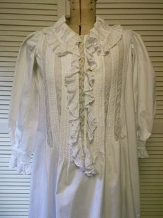 Antique Lace Nightgown by FleaWhoSaysOUI2 on Etsy