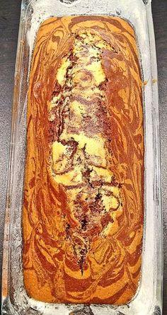 Reteta de chec pufos marmorat cu cacao No Cook Desserts, Just Desserts, Sweet Cooking, Good Food, Yummy Food, Delicious Deserts, Romanian Food, Xmas Food, Pastry Cake