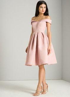 Kup mój przedmiot na #vintedpl http://www.vinted.pl/damska-odziez/sukienki-wieczorowe/18579801-koktajlowa-sukienka-chi-chi-london-pudrowy-brudny-roz-rozkloszowana-34