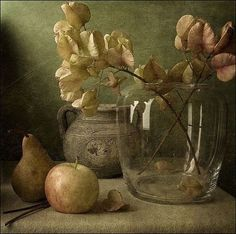 art-centric: Still life Anna Nemoy Painting Still Life, Still Life Art, Still Life Photography, Art Photography, Art Aquarelle, Still Life Photos, Art Et Illustration, Art Graphique, Beautiful Paintings