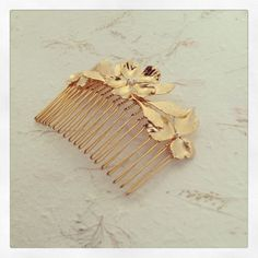 Floral Hair Comb, Woodland Hair Comb, Wedding Hair Accessories, Bridal Hair Comb, Golden Hair Comb, Bridesmaids Gifts, Bridal Jewelry