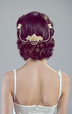 Stunning wedding hair! Find this headpiece at Petite Lumiere Co.: https://www.etsy.com/il-en/listing/123306498/lucrezia-unique-bridal-headpiece-jewelry?ref=shop_home_active
