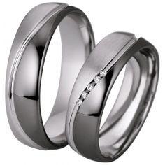 Verighete cu briliante cu interiorul bombat, pentru un confort maxim la purtare. Verigheta domnului este identica cu cea a doamnei, insa fara briliante. Modificari si variante posibile - aur de 14k sau 18k - pot fi realizate in orice combinatii de culori dorite - numarul briliantelor poate fi marit sau redus - pot fi livrate si in varianta fara briliante - la cerere sunt posibile si alte modificari Engagement Rings Couple, Couple Rings, Ring My Bell, Matching Rings, Ring Designs, Wedding Bands, Jewelery, Rings For Men, Saints