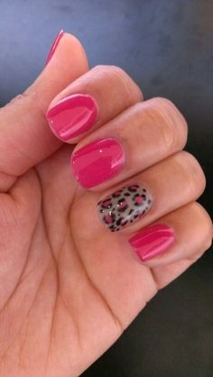 "SensatioNail ""Pink Daisy"" and ""Taupe Tulips"", gel polish nail art, leopard"
