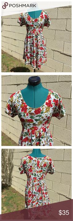 90's Grunge Baby Doll Dress Flowy with bold floral pattern. Looks great with ankle boots, Mary Janes, or Birkenstocks. Vintage Dresses