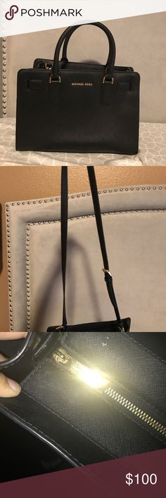 Micheal kors black purse Only used twice Michael Kors purse Michael Kors Bags