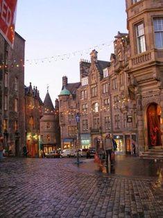Cobblestone Street, Edinburgh, Scotland Found @myalltme favoriet  http://www.tradingprofits4u.com/