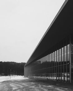 Calm before the storm #litexpo #architecture #expo #exibition #building #modern #vilnius #lithuania #exterior #perspective #design #2006 #yourarchdaily #archilovers #vsco #vscolithuania #vscoeurope #vscocam #vscobest #photooftheday #potd #instadaily #iphonography #bw #blackandwhite #winter by chocolate.curls