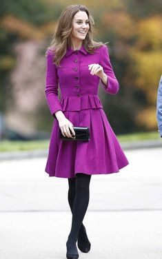 Kate Middleton, recycled a 736 Oscar Da La Renta skirt suit as she arrived to open the Nook children's hospice in Framingham Earl, Norfolk, today. Duchess Of Cornwall, Duchess Of Cambridge, Prince William And Kate, William Kate, Kate Middleton Stil, Kate Middleton Fashion, Duchesse Kate, Purple Coat, Herzog