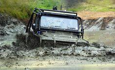 Land Rover Defender 90 Td4 Sw extreme pickup. Deep mud