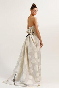 this would be an awesome wedding dress (Carolina Herrera)