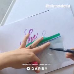 Calligraphy Tips for Blending Colors #darbysmart #diy #diyprojects #diyideas #diycrafts #easydiy #artsandcrafts #blendingcolors #calligraphy #moderncalligraphy #handlettering #tombowmarkers