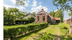 Gezellig, ouderwets huisje in Lageland, Groningen. - Huizen te Huur in Lageland, Groningen, Nederland Cabin, Mansions, House Styles, Home Decor, Decoration Home, Manor Houses, Room Decor, Cabins, Villas