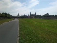 Elbaue in Dresden mit Blick zum Zentrum