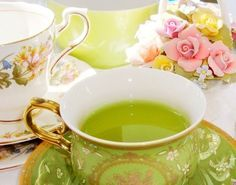 """Good news for a tea drinker with a history of skin cancer! """"Studies have shown that drinking green tea prior to going out in the sun may help decrease damage from UV rays, and its potent antioxidants may also provide protection against skin cancer. Green Tea Cups, Green Teas, Green China, Afternoon Tea Parties, Tea Art, My Cup Of Tea, Drinking Tea, Sipping Tea, High Tea"""
