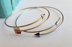 Check out this deal on Groopdealz! Get these cute Arrow Bracelets in 2 Colors for only $3.49! Normally $12.99! These look great with any outfit! If you want them, grab this deal now! Check out all our Online Deals!