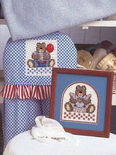 Free AnnaBear and Bearnard Cross-Stitch Pattern -- Download this free baby cross-stitch pattern from FreePatterns.com.