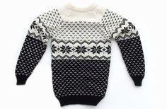 Kinderpullover aus Wolle / chrildren's wear, sweater made of wool by Olga's Strickstudio via DaWanda.com