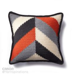 Bold Angles Crochet Pillow Free Crochet Pattern from Caron Yarnspirations Crochet Home, Crochet Crafts, Crochet Yarn, Crochet Stitches, Crochet Projects, Free Crochet, Blanket Crochet, Crochet Granny, Yarn Crafts