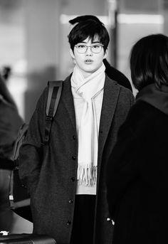 Junmyeon departing for Paris.
