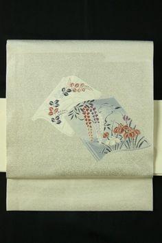 White Silver Nagoya Obi (Otaiko), Grass and Flower Pattern / 白銀地 草紙に花柄 お太鼓柄名古屋帯   #Kimono #Japan http://www.rakuten.co.jp/aiyama