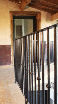 Garde corps en métal peint noir. style ferme contemporaine. #garde-corps #métal #extérieur #noir