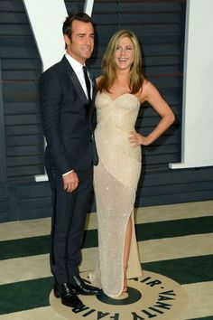 Jennifer Aniston & Justin Theroux's first dance song is unconventional, but very sweet