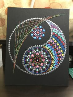 dot painted paisley yin yang pattern Mandala Art, Mandala Canvas, Mandala Rocks, Mandala Painting, Flower Mandala, Dot Painting Tools, Dot Art Painting, Painting Patterns, Painted Flower Pots