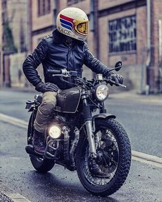 Harley Davidson Bike Pics is where you will find the best bike pics of Harley Davidson bikes from around the world. Motorcycle Memes, Scrambler Motorcycle, Motorcycle Style, Classic Motorcycle, Estilo Cafe Racer, Cafe Racer Style, Cars Vintage, Vintage Bikes, Cool Motorcycles