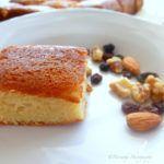 Κέικ βανίλια χωρίς αυγά Greek Desserts, French Toast, Cheesecake, Sweets, Cookies, Breakfast, Recipes, Food, Construction
