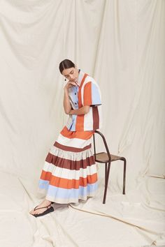 Lee Mathews Spring 2021 Ready-to-Wear collection, runway looks, beauty, models, and reviews. Fashion 2020, Fashion News, Fashion Show, Vogue Paris, Modest Outfits, Summer Outfits, Cotton Frocks, Spring Fashion Trends, Stripes Fashion