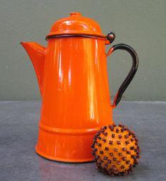 polish tea pot