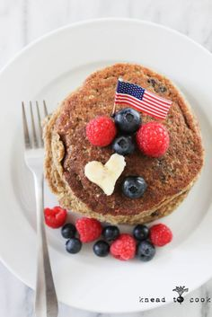 Berry Pancakes.  Vegan.  Gluten, oil and sugar free. -Made with oats