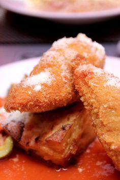 Piept de pui în crustă crocantă umplut cu brânză de capră French Toast, Oxford, Breakfast, Breakfast Cafe, Oxfords