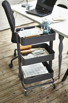 The IKEA RÅSKOG utility cart has style that works! This sleek cart can be an on-the-go home office, keeping everything on hand no matter where you work.