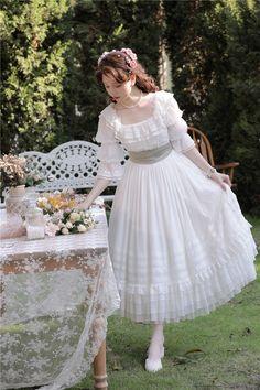 Pretty Outfits, Pretty Dresses, Beautiful Dresses, Old Fashion Dresses, Fashion Outfits, Estilo Lolita, Fantasy Dress, Knee Length Dresses, Lolita Dress